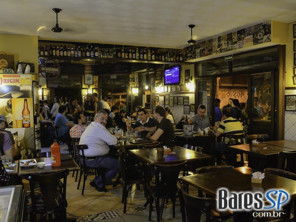Happy Hour com espetinhos e cervejas foram destaques do Happy Hour do Bar do Celso