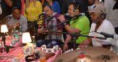 Grupo Revelação cantou sucessos no Sunset Samba House do La Fiesta /fotos/coberturas/21273/21273_pq BaresSP
