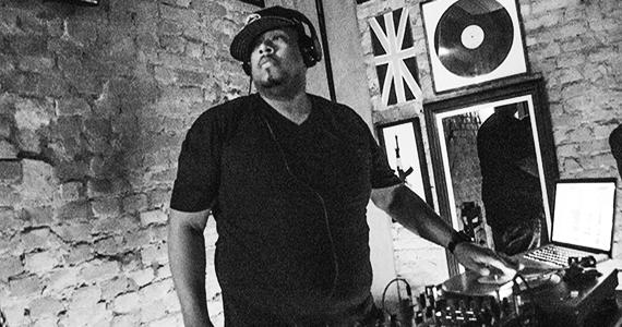 Quitandinha Bar recebeu apresentação do DJ Chubby Chub na quinta /fotos/coberturas/21451/21451_04092015115148 BaresSP