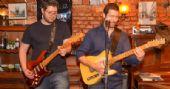 Cantor Breezy Rodio tocou muito blues & soul animando o Piratininga Bar /fotos/coberturas/21582/21582-1-2_pq BaresSP