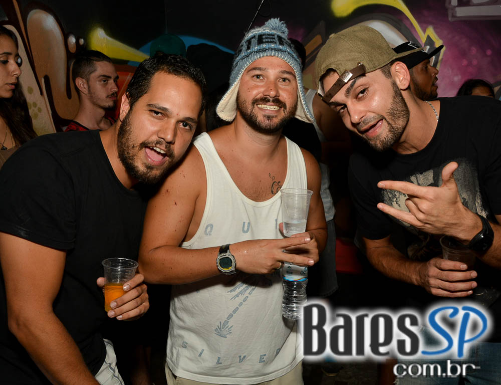 Festa Mix-Tape com DJ Kefing e convidados animaram o sábado do Nola Bar