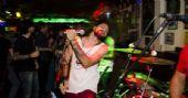 Banda Gregos e Troianos comandaram a noite com pop rock no Partisans Pub /fotos/coberturas/22020/22020_pq BaresSP