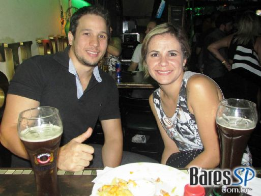 Banda Rock Stamp comandou a festa de St. Patricks Day no St. Johns Irish Pub
