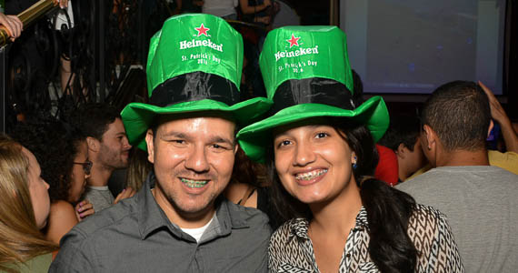 Banda Junkie Box e Bruno Prada Duo se apresentaram no palco do The Blue Pub - St. Patrick's Week