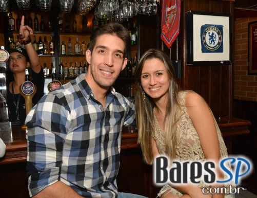 Banda Junkie Box e Bruno Prada Duo se apresentaram no palco do The Blue Pub - St. Patrick's Week