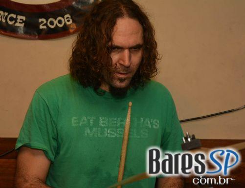 Banda Blacklist animou a semana de St. Patrick do Goodfellas com muito pop rock