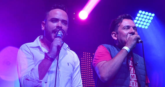 fotos - Grupo Samprazer e a dupla sertaneja Henrique & Conrado animaram a noite do Carioca Club