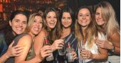 Noite da Cerveja com DJs residents animaram a sexta do Akbar Lounge e Disco /fotos/coberturas/22658/22658_pq BaresSP