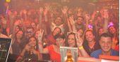 Noite do Amarelo com muito flash back no Akbar Lounge e Disco /fotos/coberturas/22719/22719_pq BaresSP