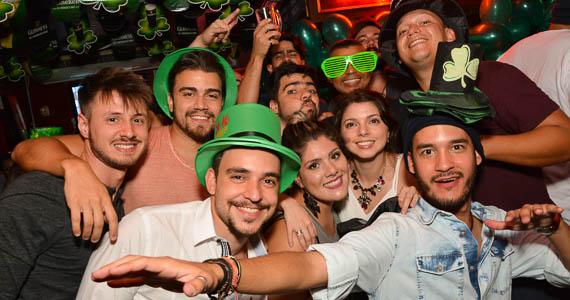 fotos - Bandas Vih e Bubbles comandaram a noite com pop rock no Republic Pub
