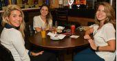 Ambiente descontraído e cardápio variado de cervejas e petiscos no happy hour do The Joy /fotos/coberturas/22745/22745_090320170901_pq BaresSP