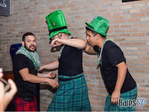 St Patricks Day com Pedro Henrique, Terra Celta, Gaita de Foles, Estevão Manfiolli e Luana Gamarah no Dunluce Irish Pub