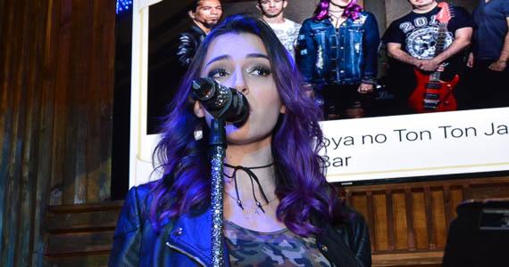 fotos - Bandas Rock 5 e Troya comandaram a noite com pop rock no Ton Ton Jazz