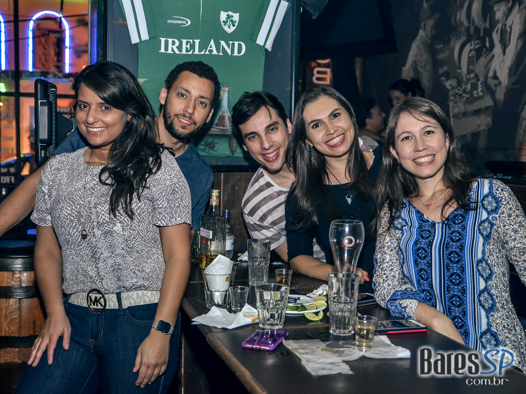 Carus Band comandou a noite com pop rock no palco do Dublin - St. Patrick's Week 2018