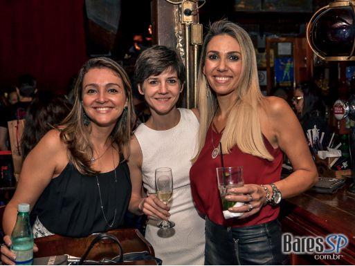 Banda Overman tocou muito pop rock no The Sailor Legendary Pub - St. Patrick's Week