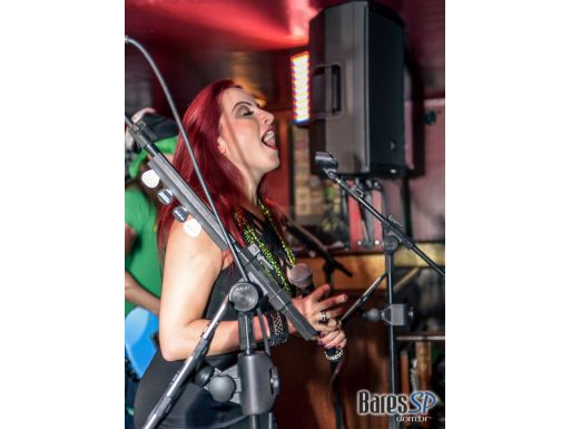 Banda Almanak e DJ Maia com muito pop rock no Republic Pub - St. Patrick's Week