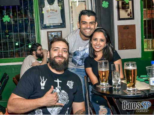 Bandas Fianna Irish Music, Double Z e Burning Soul animaram a sexta do Finnegans Pub - St. Patrick's Week