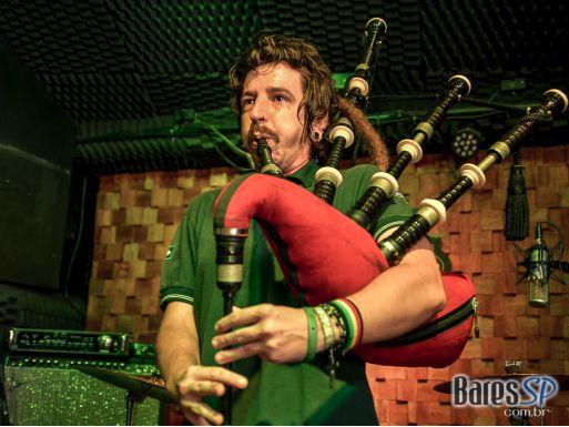 Dia de St. Patrick's com Karaoke Rockstar animou a noite no St. Paul's Pub - St. Patrick's Week