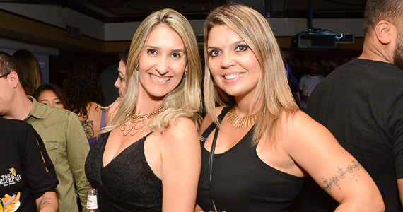 Banda Riffer volta a sacudir o The Blue Pub com o melhor do Rock and Roll