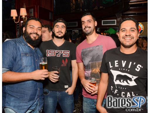 ZoomBeatles estremecerá St. Patrick's Day no The Blue Pub