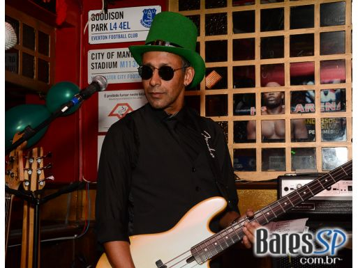 Pré St. Patrick's Party no Republic Pub com as bandas Mr. Legacy e Zero 315