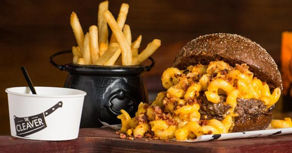 Coffee Week Mac'n'Cheese Burger