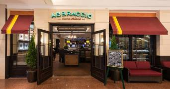 Abbraccio - Shopping Center 3