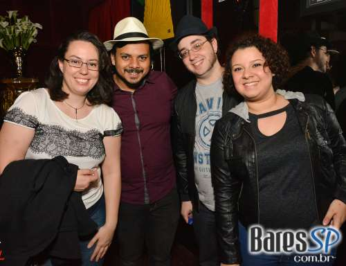 Noite do Chapéu comandou o agito no Akbar Lounge e Disco no dia 29 ... 0e4c91eb785